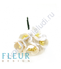 Цветочки Вишни Айвори, размер цветка 2.5 см, 5 шт